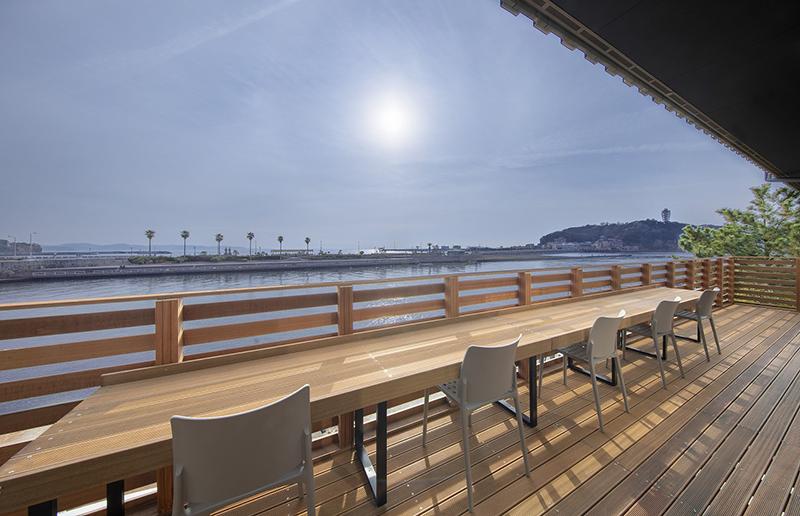 海を臨む⼈気の「BIZcomfort ⽚瀬江ノ島」も 「横浜湘南プラン」で利⽤可能︕