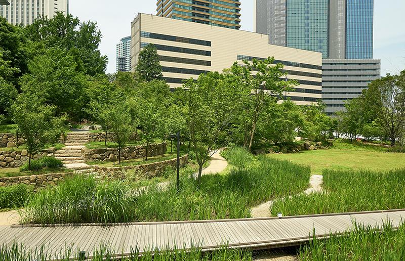 The Okura Tokyo: オークラ庭園 湿地・広場