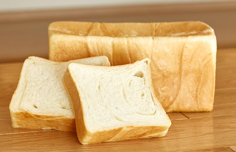茅ヶ崎『塩』バター食パン