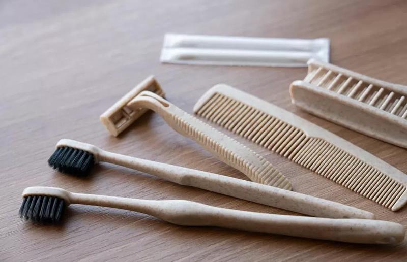 歯ブラシセットやヘアブラシ