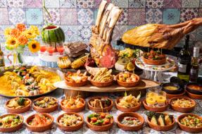 スペインの料理を楽しむ夏のビュッフェ