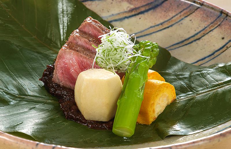 博多和牛の朴葉(ほおば)味噌ステーキ