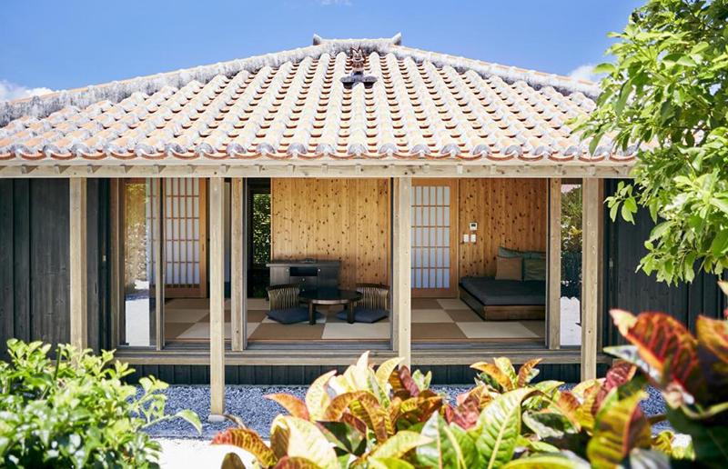 キャンギ:肌触りの良い琉球畳の縁側がある家